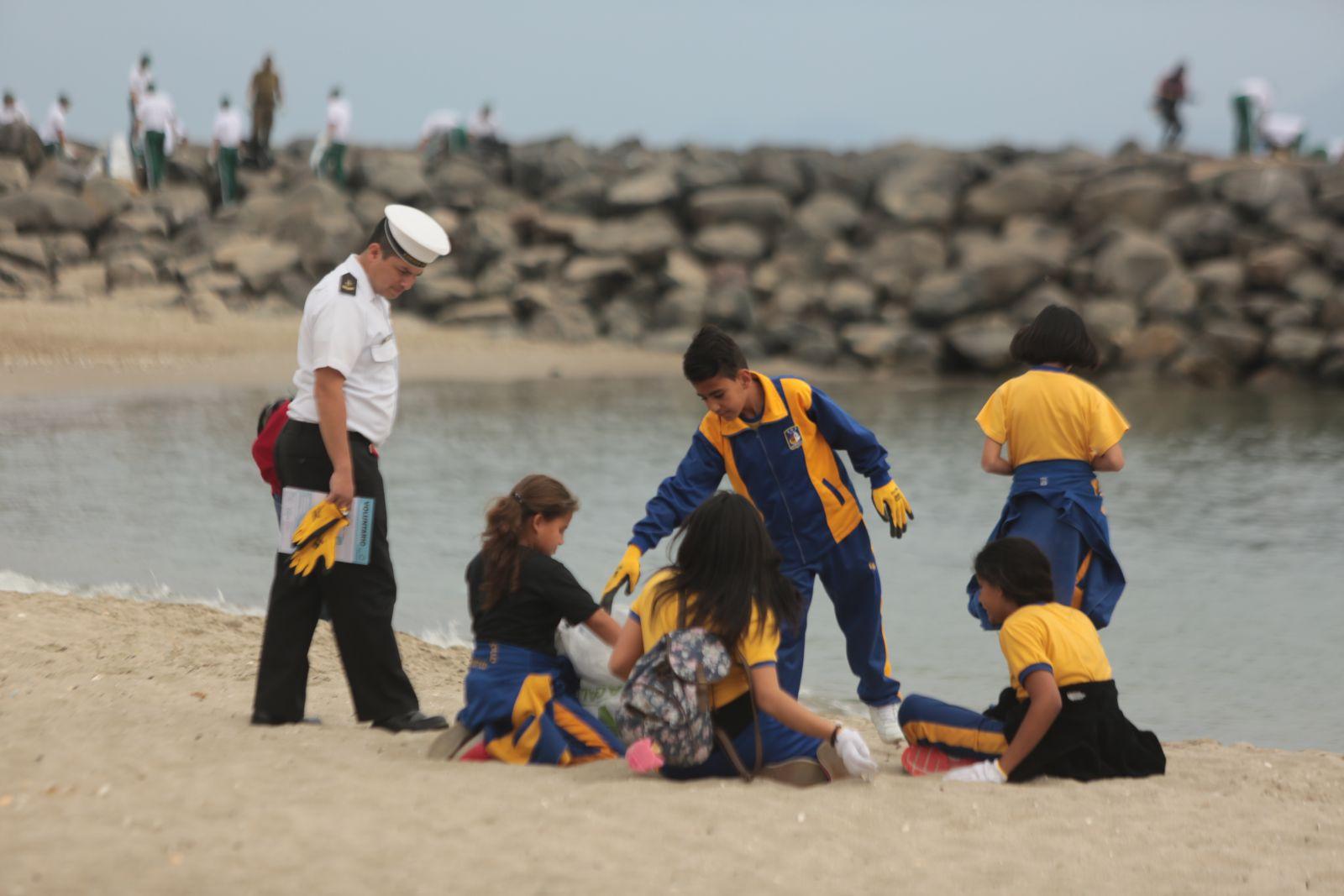mas-de-6-toneladas-de-basura-fueron-retiradas-desde-playa-paraiso