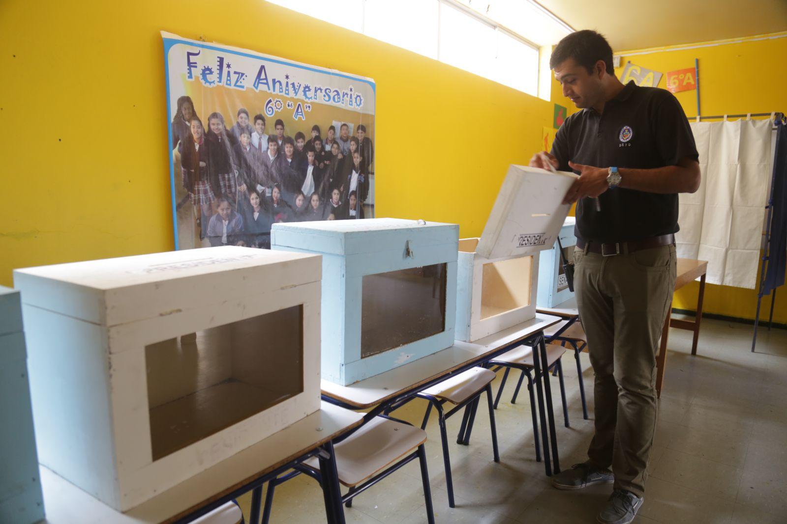 municipalidad-de-antofagasta-inicio-instalacion-de-urnas-y-casetas-a-2-dias-de-las-elecciones
