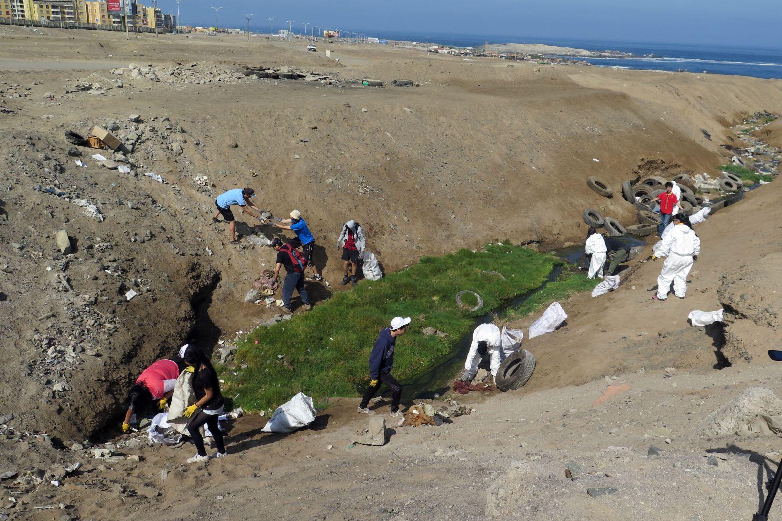 jovenes-retiran-4-toneladas-de-basura-del-sector-vertientes-costeras-de-la-chimba